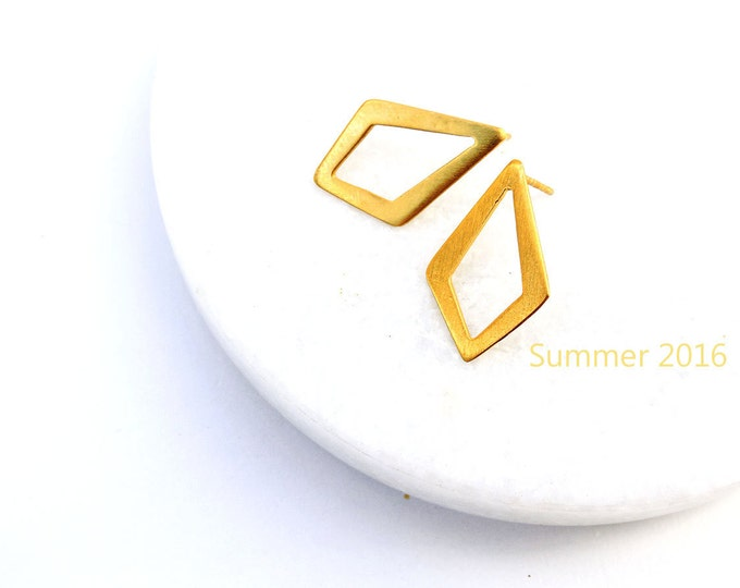 Tiny Rhombus Earrings