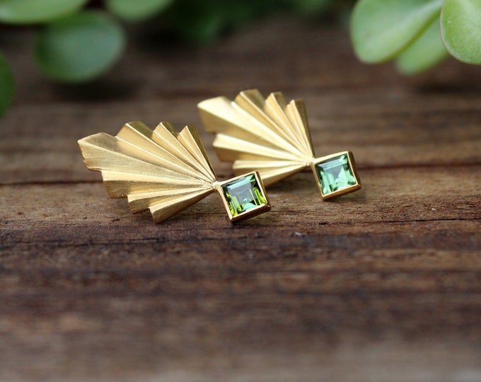 Pineapple Folds with green tourmalines