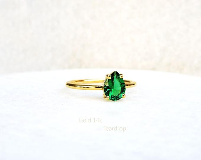 Minimal Stone Ring