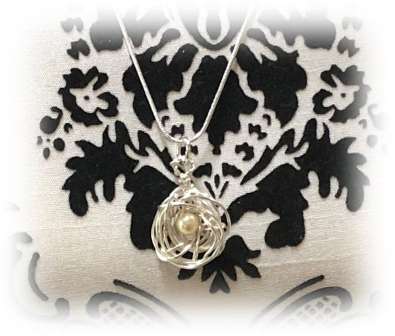 Silver Messy Bird Nest Pendant Bird Charm Silver Chain Necklace Mom-to-Be Gift 1 Pearl Bead Egg