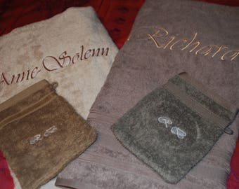 Bath towel + glove with name font Vivaldi and Monogram on glove