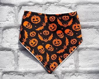Halloween baby bib, teething bib, dribble bib, unisex baby gift, bibdana, baby bib, baby, fancy dress bib, babys first halloween