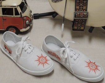 Ladies Volkswagen size 8 Hippie Van Tennis Shoes Peace 674ca64ab