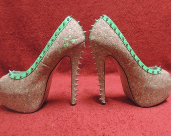 310442d3cf29 Redkiss Green Ruby Pumps Woman s size 8 1 2 Open Toe