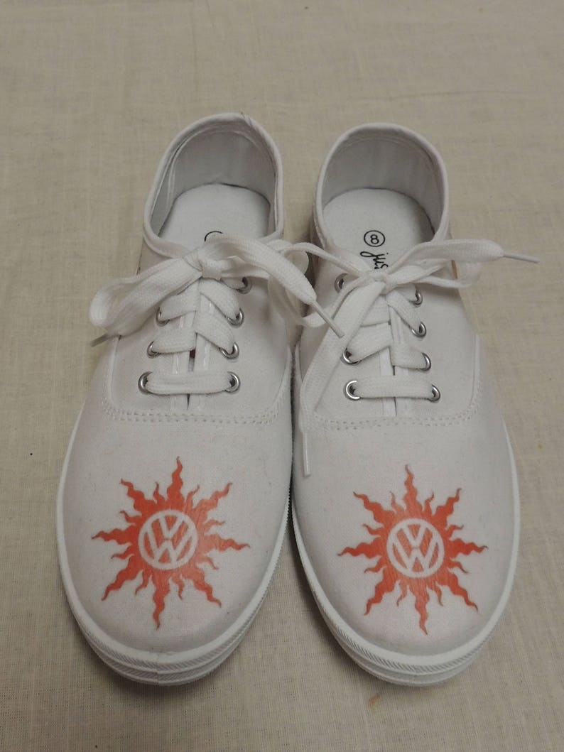 Ladies Volkswagen size 8 Hippie Van Tennis Shoes Peace Love  058d96c1d