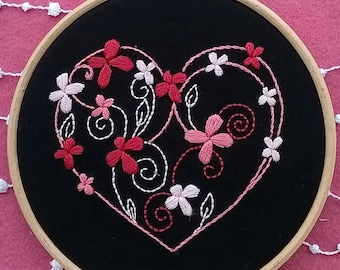 heart  Embroidery KIT -  hand embroidery kit - DIY embroidery Kit - beginner embroidery pattern -  modern needlecraft kit - valentines day