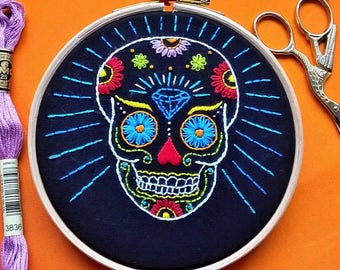 Beginner Embroidery KIT -  embroidery hoop art - Skull  embroidery kit - modern embroidery kit - embroidery hoop art - diy embroidery kit