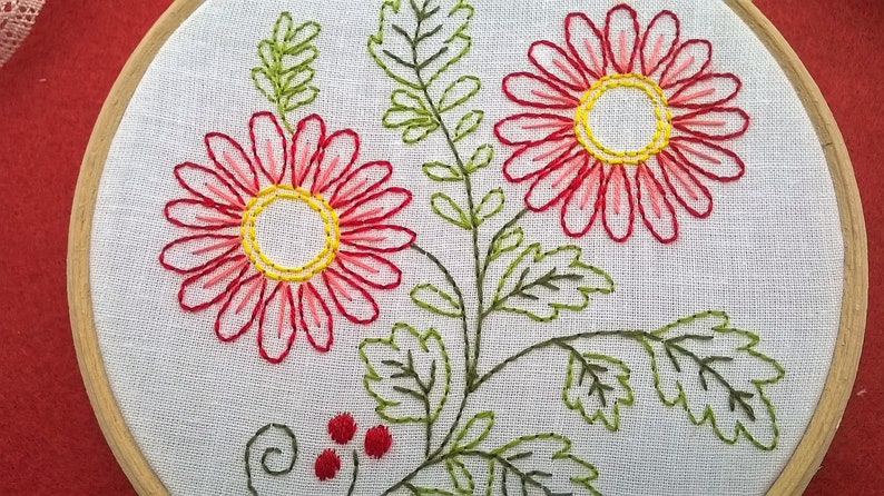 beginner stitching kit Hand Embroidery kit with floral design