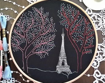 Embroidery KIT beginner - Embroidery pattern - embroidery hoop art - Tour Eiffel- Traditional embroidery kit