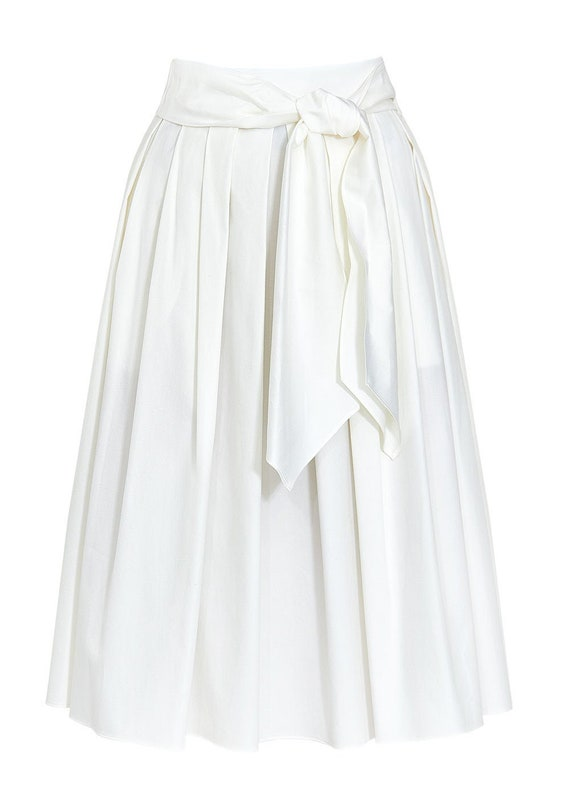 Escada White Pleated Skirt sz 8