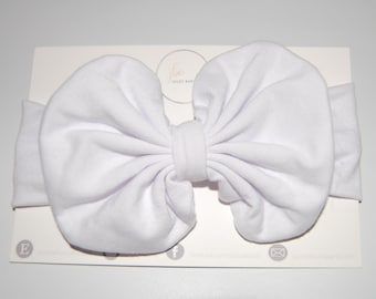 White baby hair bow, baby bow, baby accessories, gifts under 20, baby girl,