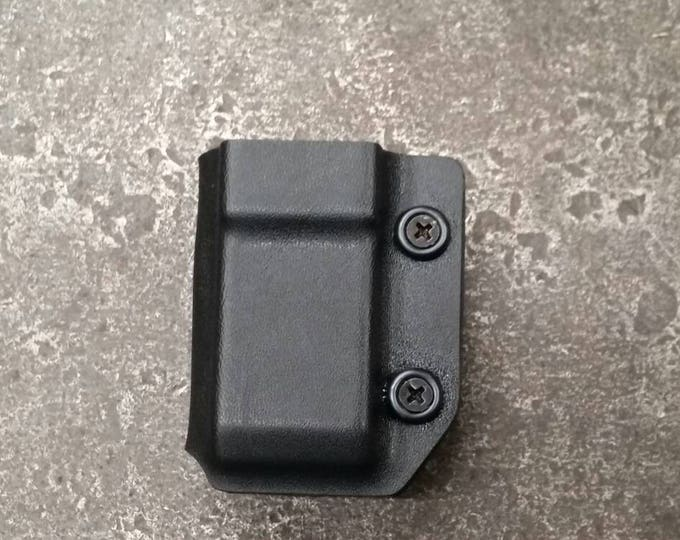 Spare Mag Carrier w/ quick clip & adjustable retention