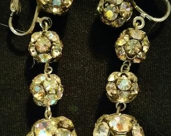 1950's Vintage Beautiful Dangling Sparkling Rhinestone Clip on Earrings