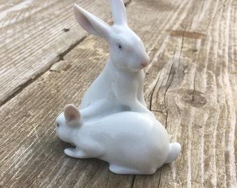 Vintage Pfeffer Porzellan Gotha Rabbit Statuette Ornament in Porcelain