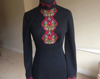 Black Wool Knit Fitted Embroidered Dress 1970