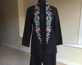 Black Linen Embroidered Oriental Asian Style Pantsuit 1970 1980