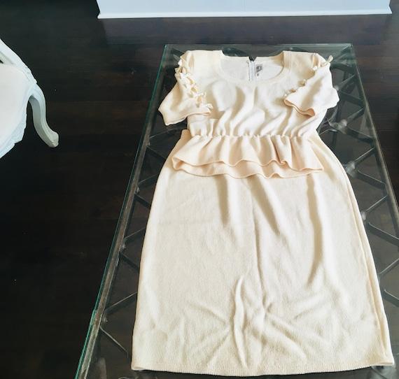 Vintage St. John For Saks Fifth Avenue Beige Skirt Suit Size 12
