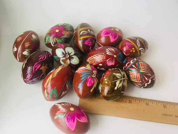 Vintage Lot Of 13 Wooden Painted Easter Eggs