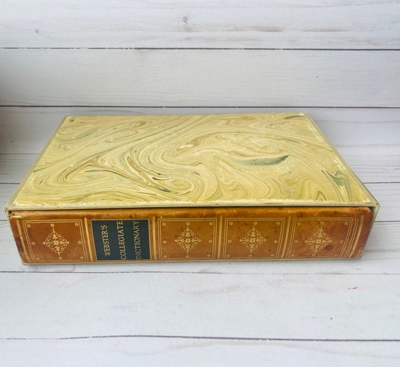 1960 Webster's Collegiate Dictionary Second Edition