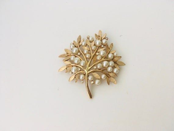 Vintage Trifari Faux Pearl & Faux Diamond Tree Brooch
