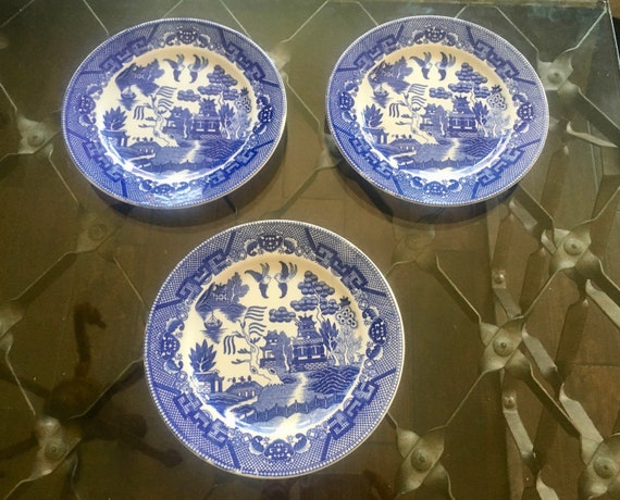 Vintage Made in Japan Blue & White Chinoiserie Plates