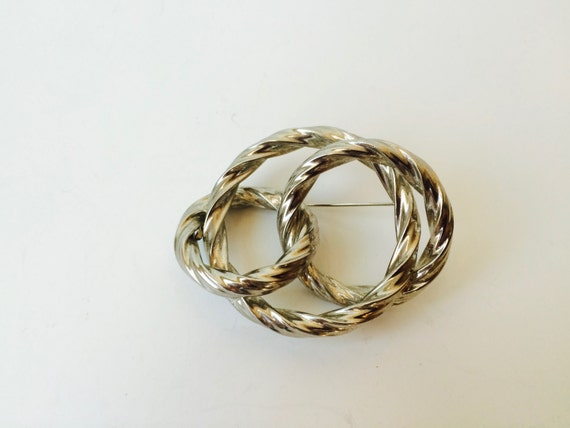 Silver Tone Knotted Rope Brooch