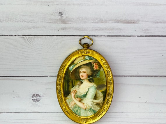 Vintage Small Oval Gold Frame
