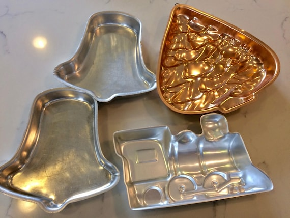 Christmas Baking Molds - Lot of 4 Metal