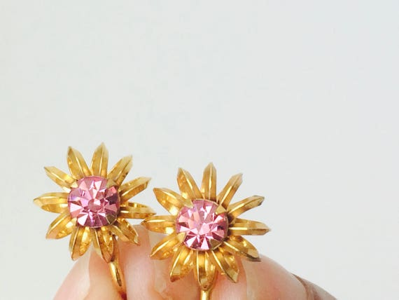 Vintage Screw Back Post Flower Earrings With Pink Stone