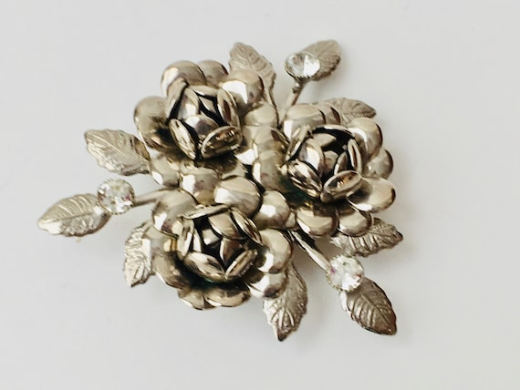 Vintage Convertible Pendant Brooch With Silver Tone Roses