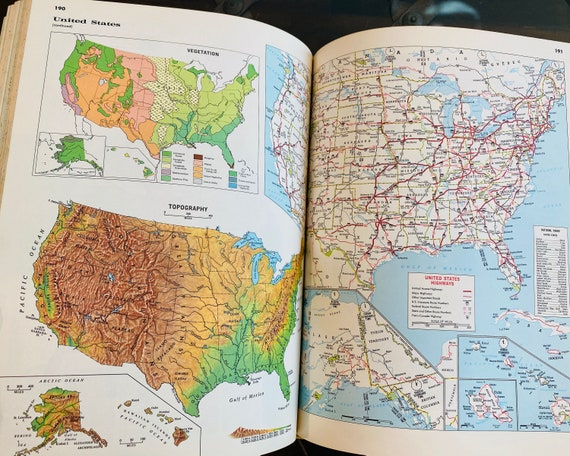 1967 Hammond Standard World Atlas-  Atlas Book