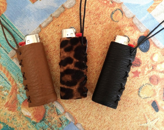 Leather lighter case, case for lighters Bic with sliding cord, holder necklace, hand made leather cover, lighter cover