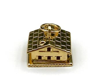 18KT Gold House Charm with 2 Enamel Hearts Inside/Movable
