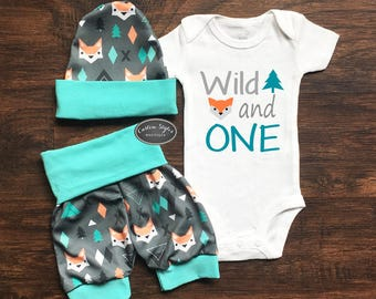 Boy's First Birthday Outfit, Teal And Gray Fox Print Shorts & Hat, Toddler Shorts, Birthday Boy Bodysuit, 1st Birthday, Wild And One
