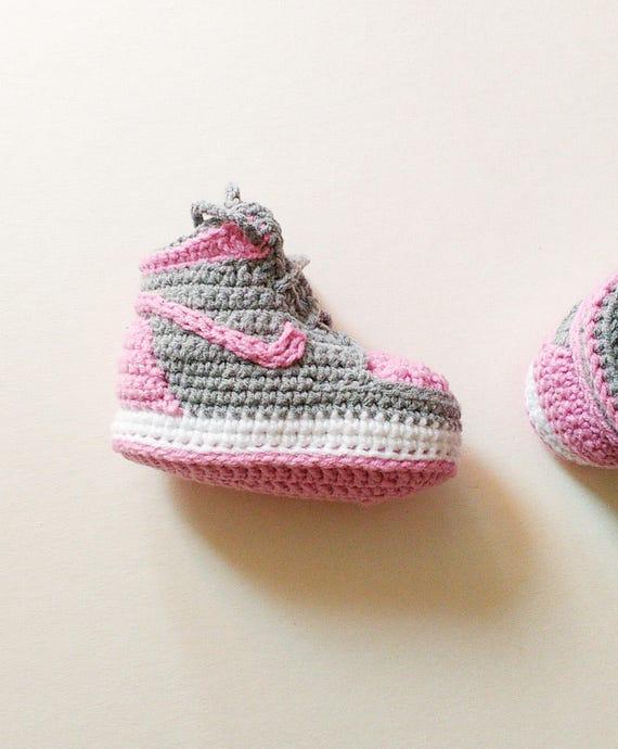 Gehaakte Slofjes Babyslofjes Van Nike Jordan Grijs En Roze Etsy