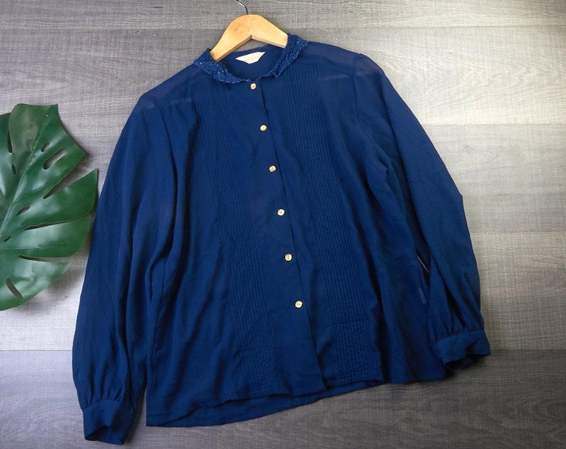 Women/'s vintage clothing Lace collar blouse Vintage  blouse Women vintage chiffon shirt