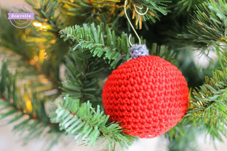 Crochet Old Fashioned Ball Ornament Pattern pdf instant image 0