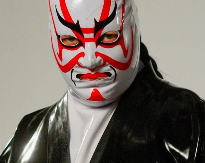 Kabuki Latex Hood