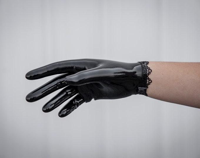 Ann Lace short Latex Glove