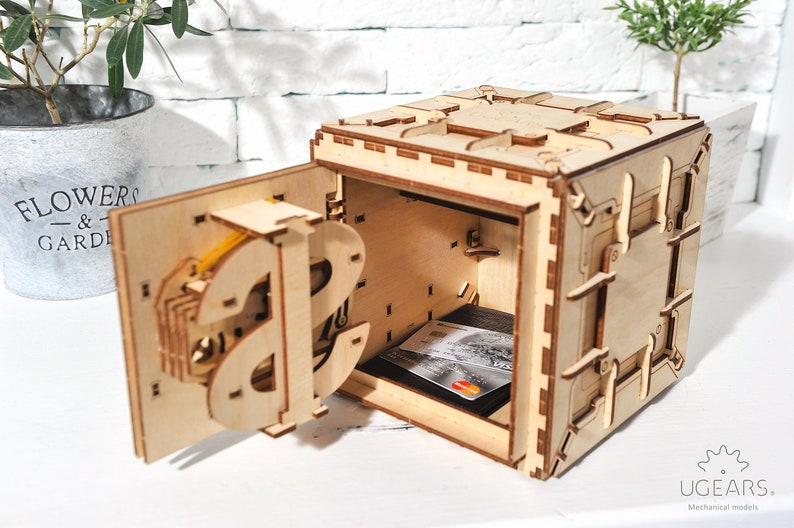 Wooden trinket/money box, Laser cut DIY plywood puzzle kit, Wood mechanical  safe box model kit