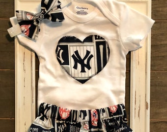 ab2c1de66 New York Yankees Baby, New York Yankees Baby Outfit, New York Yankees  Onesie, Yankees Baby, Baseball Outfit