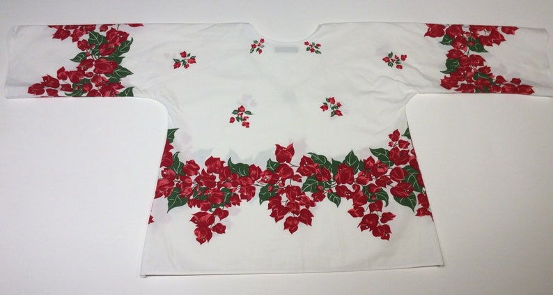 Red Floral SM Vintage Repurposed Tablecloth Top