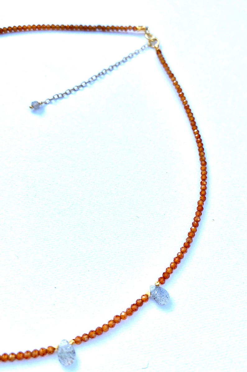 Hessonite and labradorite short necklace #chicjewelry #bohochicjewelry #gemstonejewelry 925 sterling silver