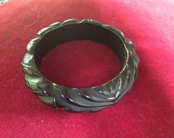 Vintage carved black Bakelite bangle bracelet