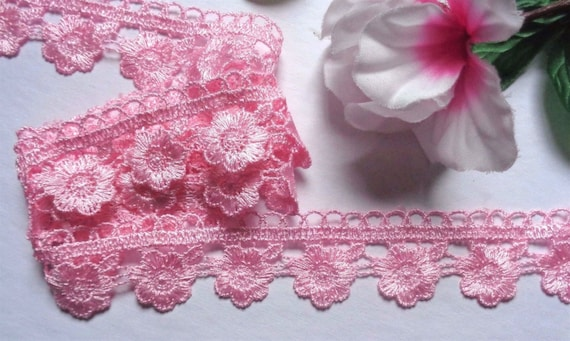 1 1//8 inch wide  beautiful lace trim selling by the yard