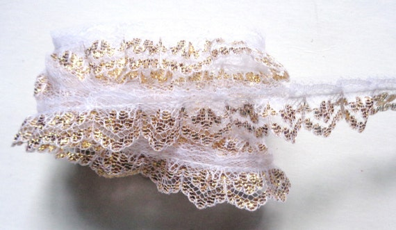 Ruffle Lace Trim 1 inch wide white//silver color selling by the yard