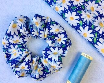 Dreamy Daisy Tulle Flower Scrunchie