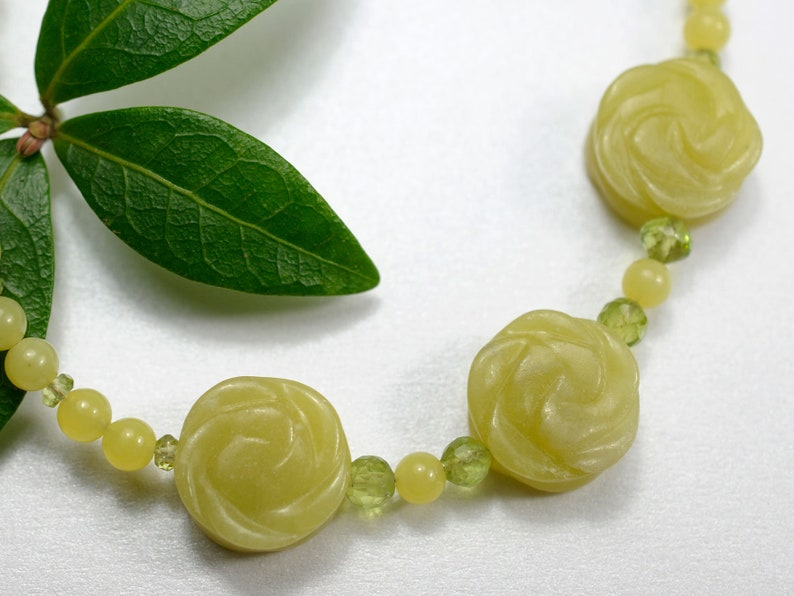 Serpentine and peridot gemstone necklace image 0