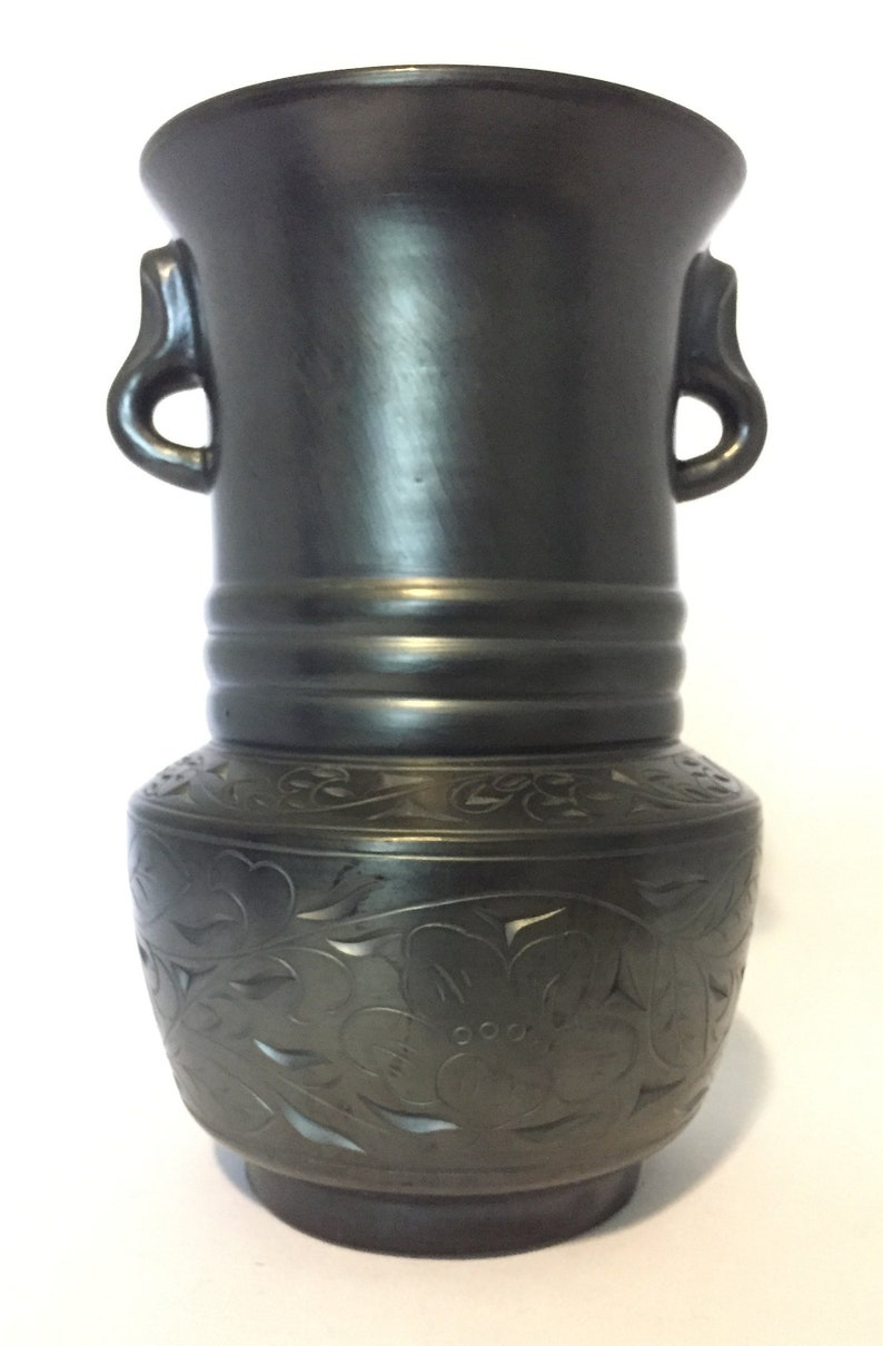 Barro Negro Oaxaca Vase Hand Modeled and Hand Carved