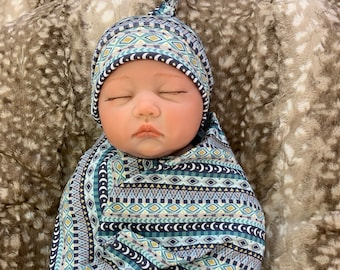 Baby Blanket Swaddle blanket and Beanie set Coming home outfit Pink Aztec